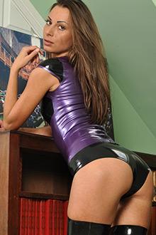 Bio page of Marta model