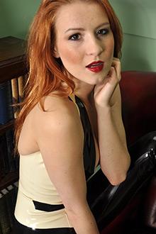 Bio page of Scarlot Rose model