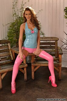 Beutiful Babe Ekd In Tight Blue And Pink Latex Outfit - Picture 10