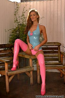 Beutiful Babe Ekd In Tight Blue And Pink Latex Outfit - Picture 12