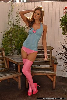 Beutiful Babe Ekd In Tight Blue And Pink Latex Outfit - Picture 7