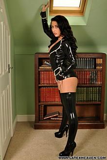 Sophie Star In Black Jacket - Picture 2